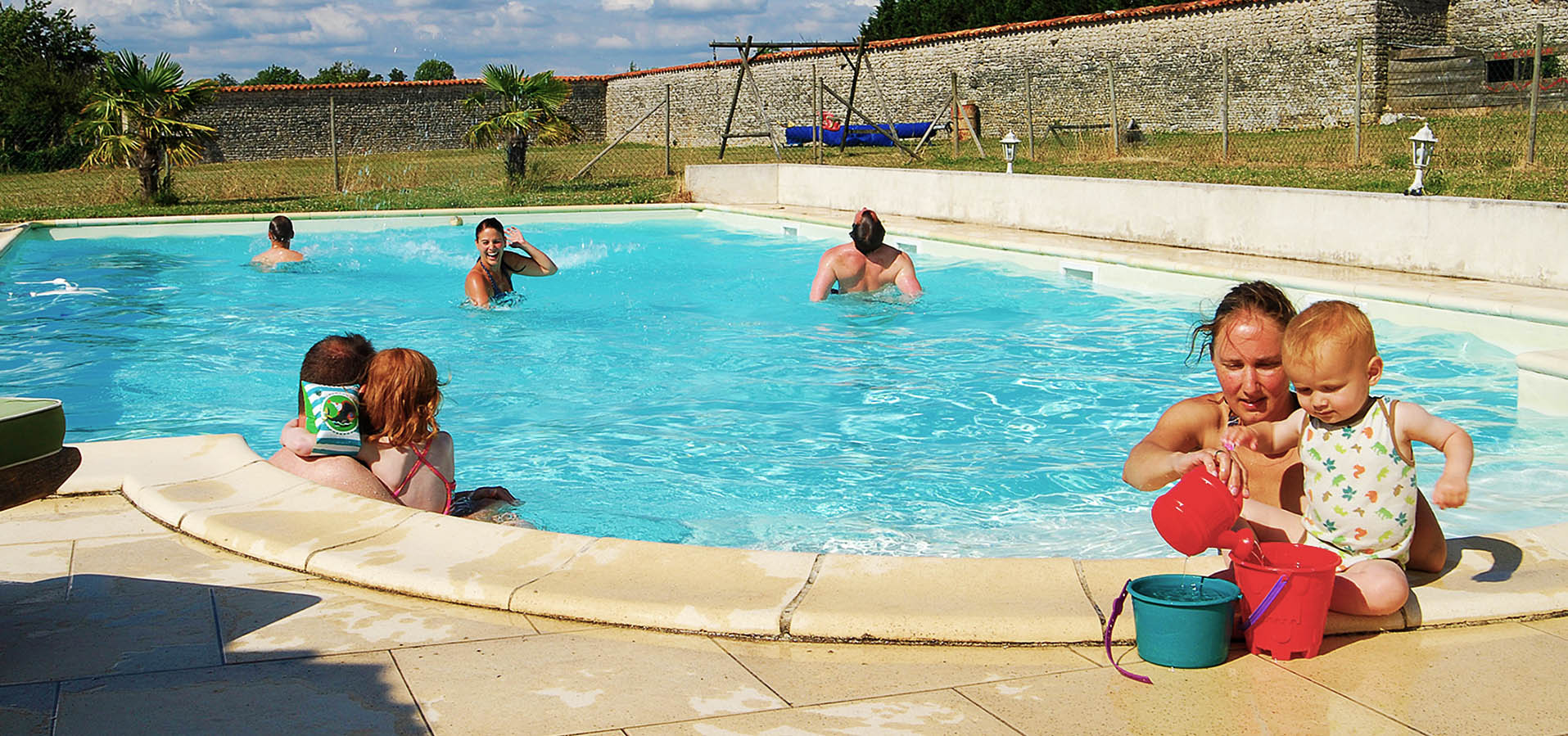 Holidays with family and swimming pool in Charente Maritime