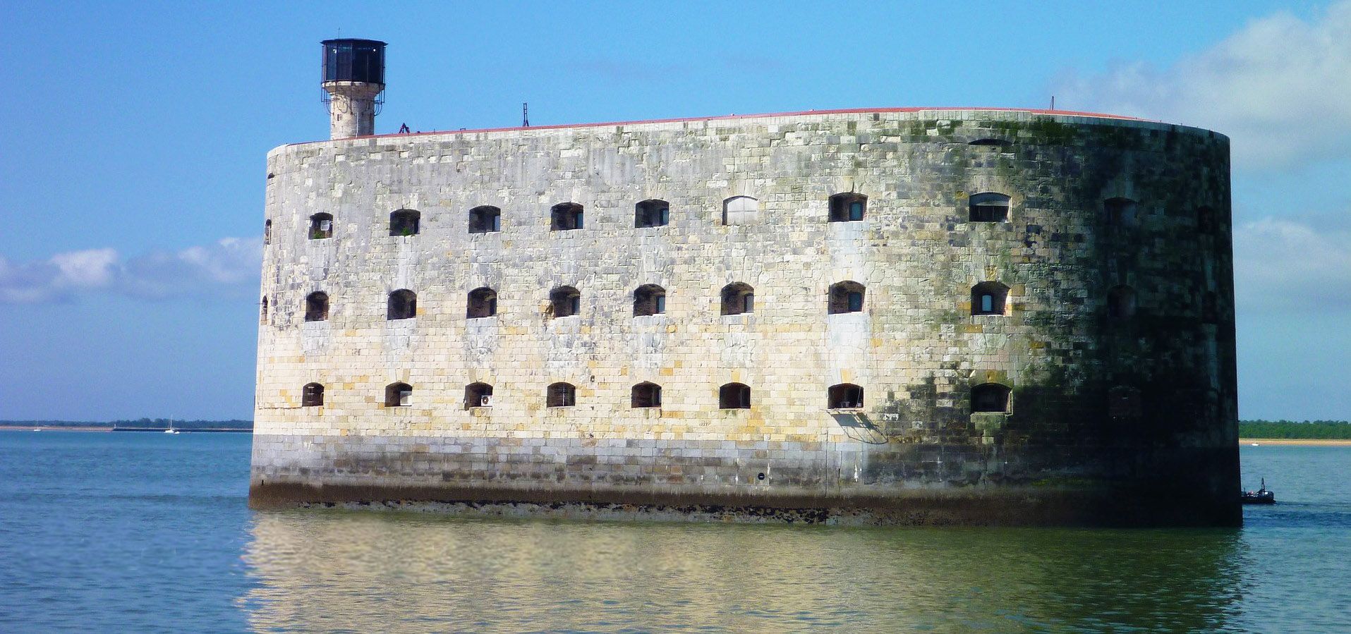 Visits of Fort Boyard in Charente Maritime